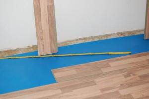 laminat selbst verlegen anleitung und tipps. Black Bedroom Furniture Sets. Home Design Ideas